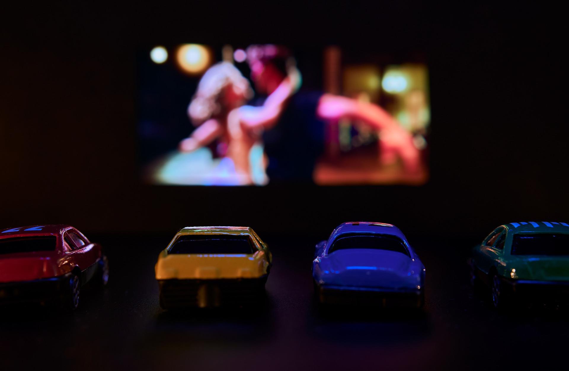 Drive-ins, Autokinos und Co. – Warum wir plötzlich wieder ein Auto brauchen